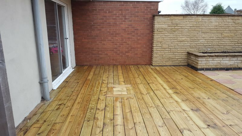 Decking cleaning in Mansfield after a softwash clean: Swipe To View More Images