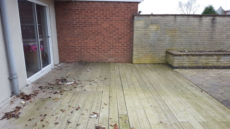 Dirty decking cleaning in Mansfield