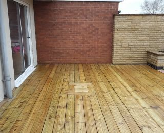 Decking cleaning in Mansfield after a softwash clean: Click Here To View Larger Image